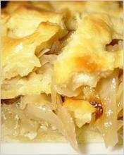 Пирог из творожного теста с капустой